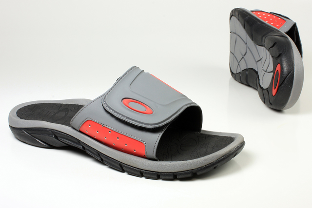 ca1c86f90bb6 Other Men s Shoes - OAKLEY - SUPERCOIL SLIDE 10132-266 (Size   7) was  listed for R399.00 on 29 Nov at 06 20 by mensshoecentre in Durban  (ID 286545076)